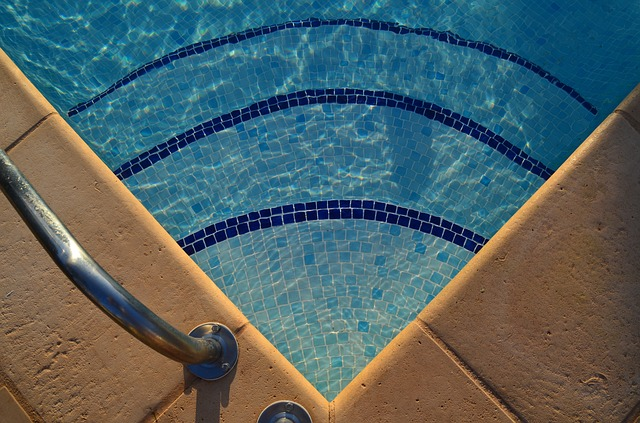 roh bazénu.jpg