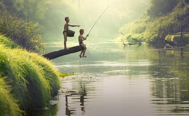 děti u řeky